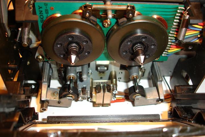 TC-K666ES_transport_mechanism.JPG.aabbaefe15b3fd9beee1d72dc51a767d.JPG