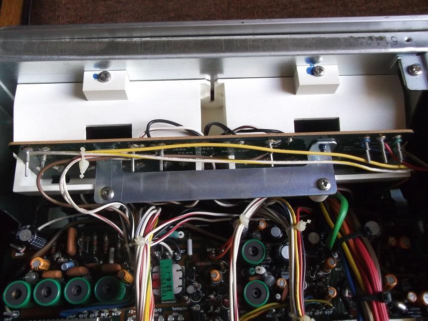 Marantz_5020_analog_meters.JPG.55ff038c12ebace61519fbd98c681e05.JPG